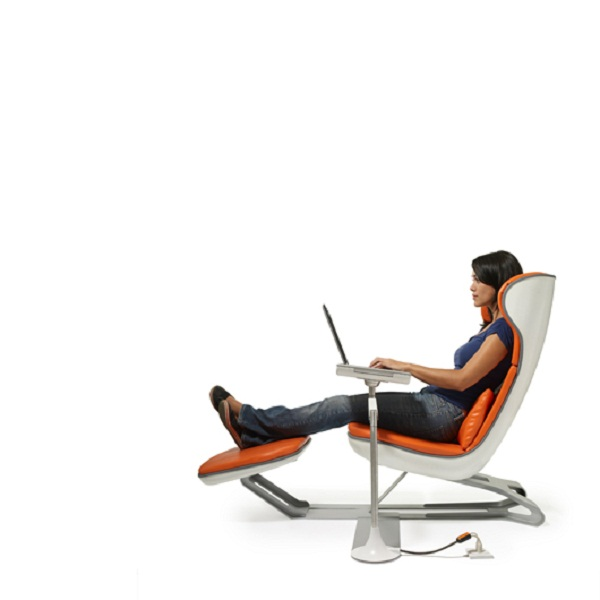 Comfortable Lounge Chairs With Laptop Sidetable Realcohomes
