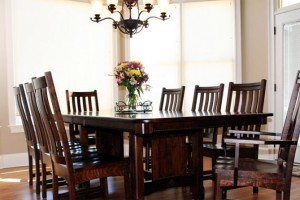Amish Dining Room Set: Give Excellent Touch at Dining Room