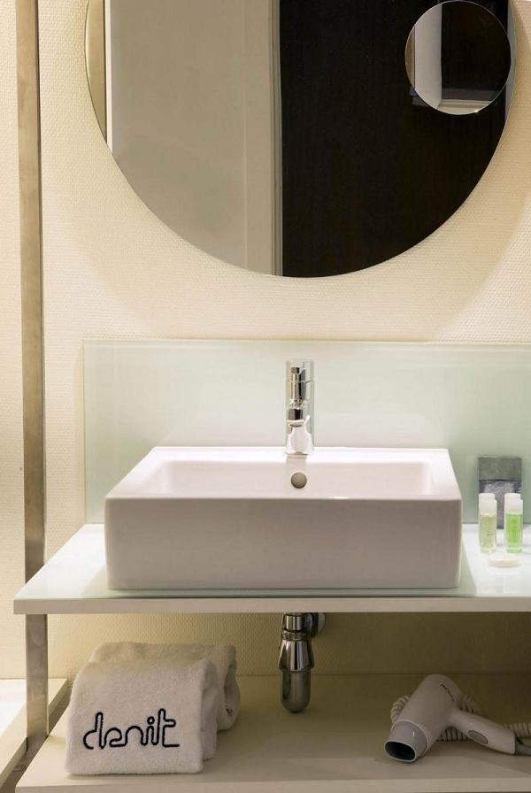 Hotel Denit Bathroom Design