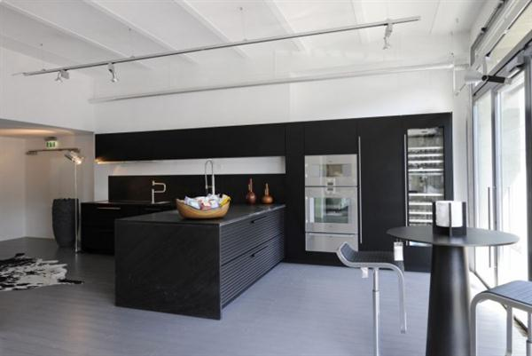 Black-Elegant-And-Modern-Kitchen-Design-5