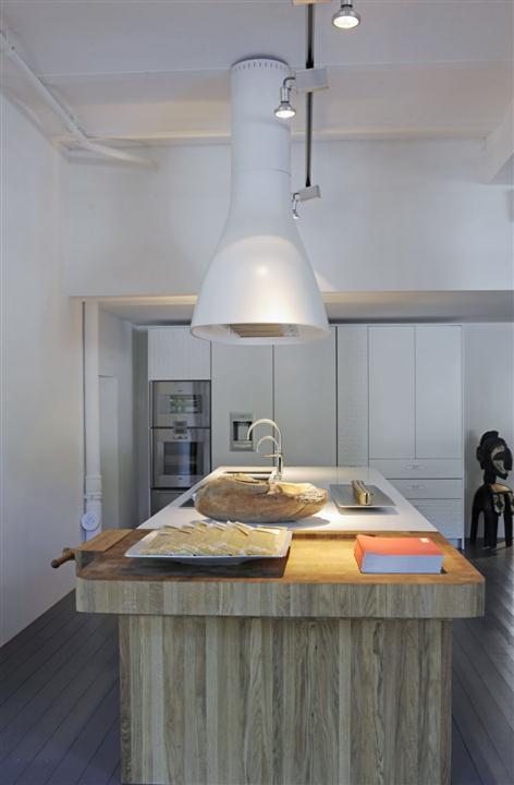 Black-Elegant-And-Modern-Kitchen-Design-6