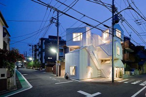 White Japanese Apartment Design in Tokyo