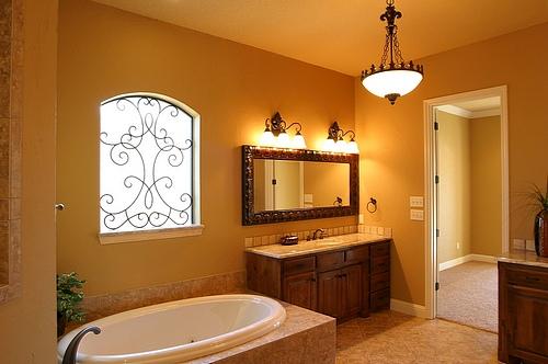new-Bathroom-Lighting-Tips-for-home-interiors